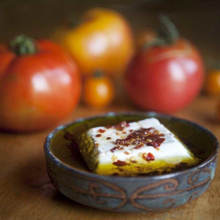 Sun-dried tomato, chili pepper